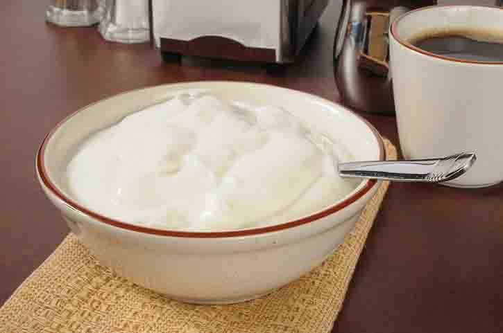 Заменяем майонез на йогурт с низким содержанием жиров