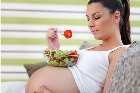 Беременным женщинам может быть противопоказана строгая диета