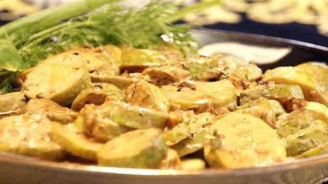 Кабачки, тушенные в сметанном соусе