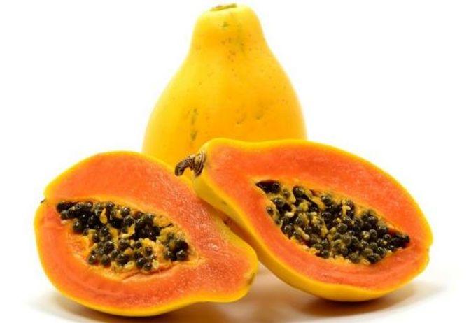 Папайя тоже относится к пище с высоким содержанием витамина С