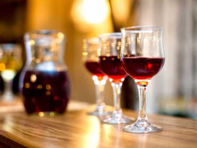 Нельзя пить на ночь вино